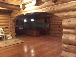 log home archway Grizzly Bob